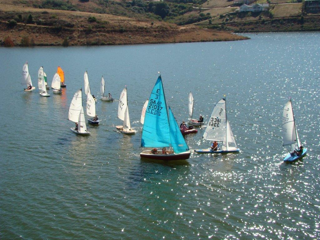Learn-to-sail Youth Sailing Training Team